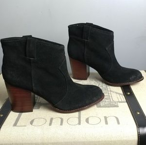 Splendid black suede leather ankle booties boots